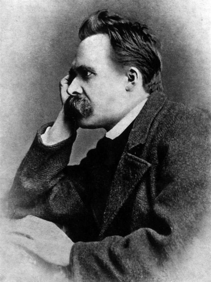 800px-Nietzsche1882